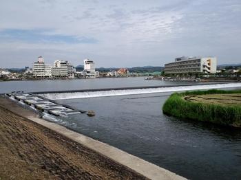 日田三隈川の井堰.JPG